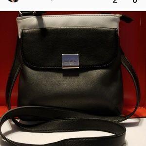 Nine West Bags - Nine West crossbody messenger bag